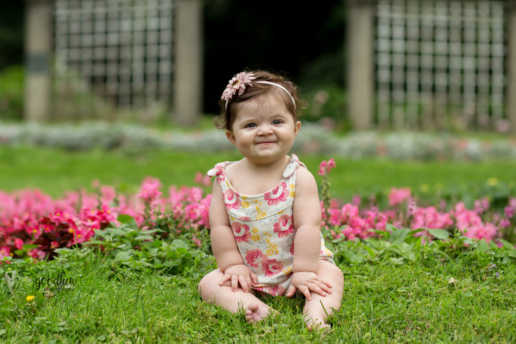 outdoor-girl-ella-sharp-jackson-sitter-milestone-portraits
